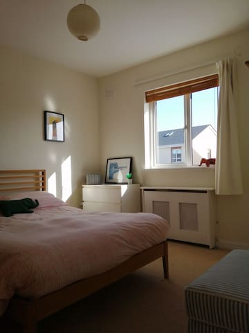 Spacious Double Room with Mountain View