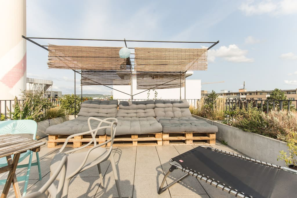 Private Rooftop with huge space to chill
