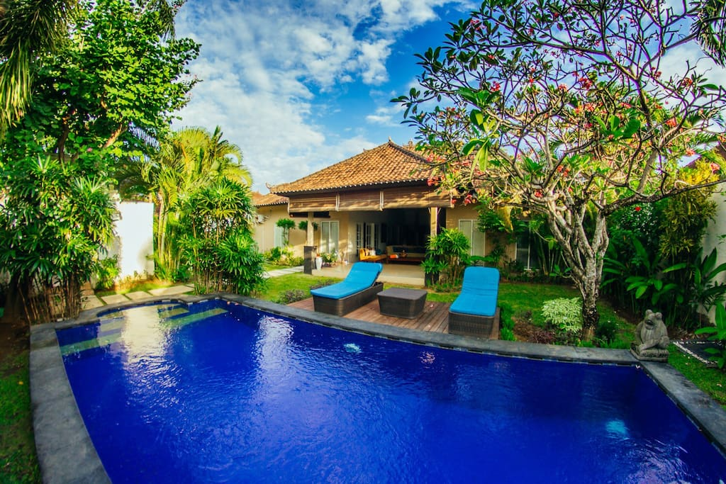 Spacious tropical garden and big swimming pool
