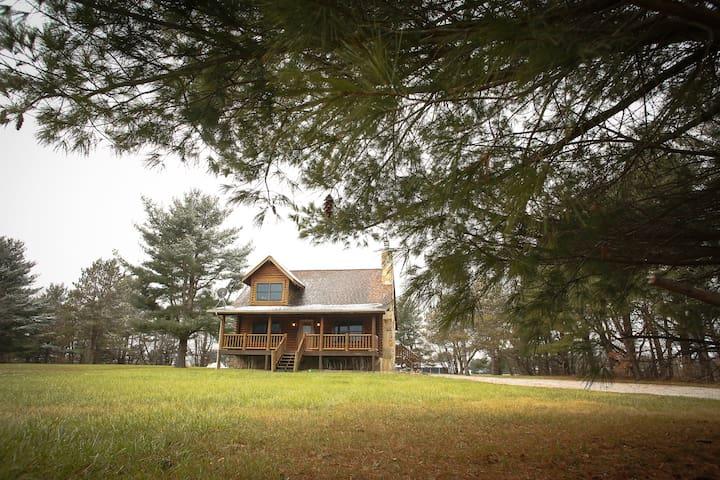 Rustic Log Cabin near Purdue with Wedding Options!
