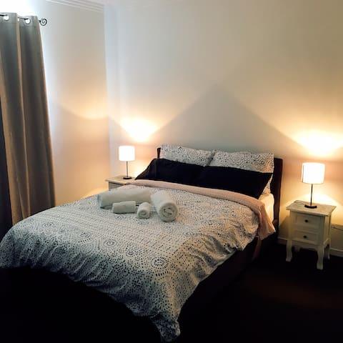 Double bedroom with TV/ Netflix