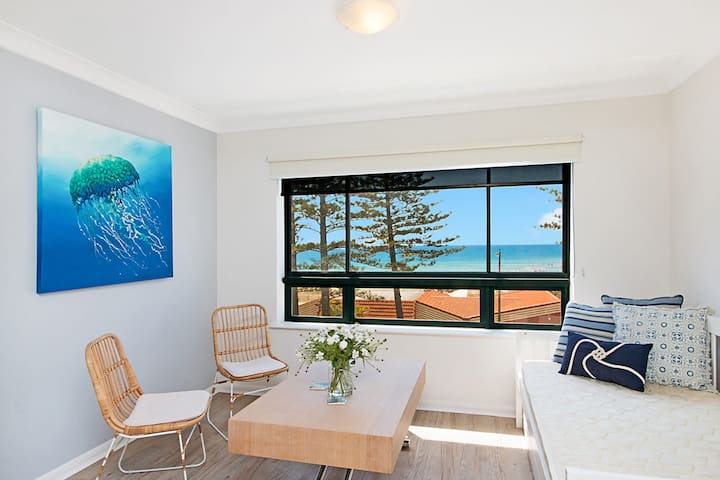 Calypso Plaza Resort Unit 362 - Studio room in central Coolangatta