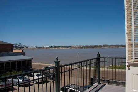 River Edge Suites - Jim Bowie Suite - Natchez