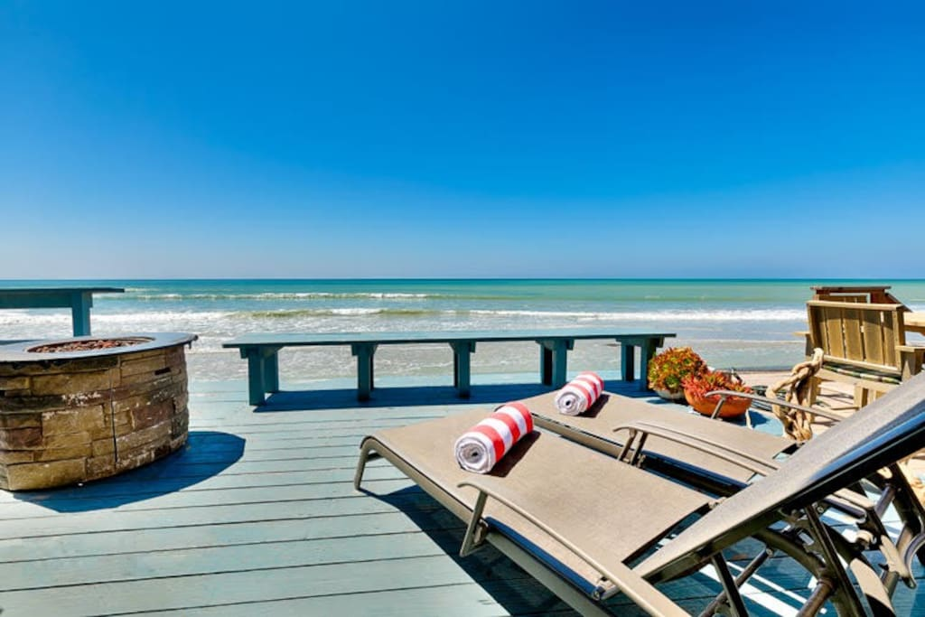 Ocean front deck with lots of seating