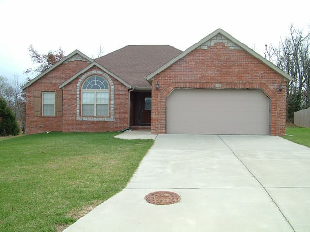 southwest executive home houses for rent in springfield