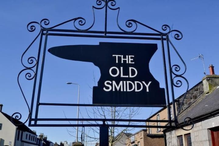 The Old Smiddy, Crossford Dunfermline Nr Edinburgh