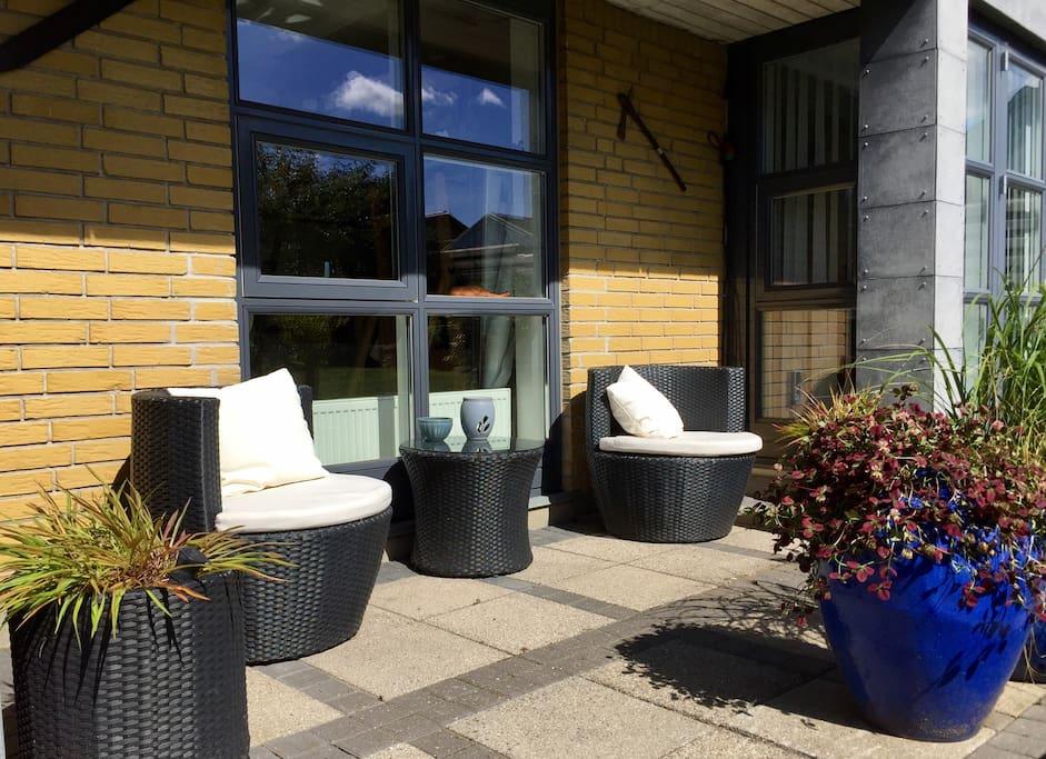 Adgang til have og lille terrasse