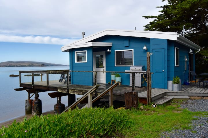 Driftwood Cottage - Sleep Over the Water - Marshall - House