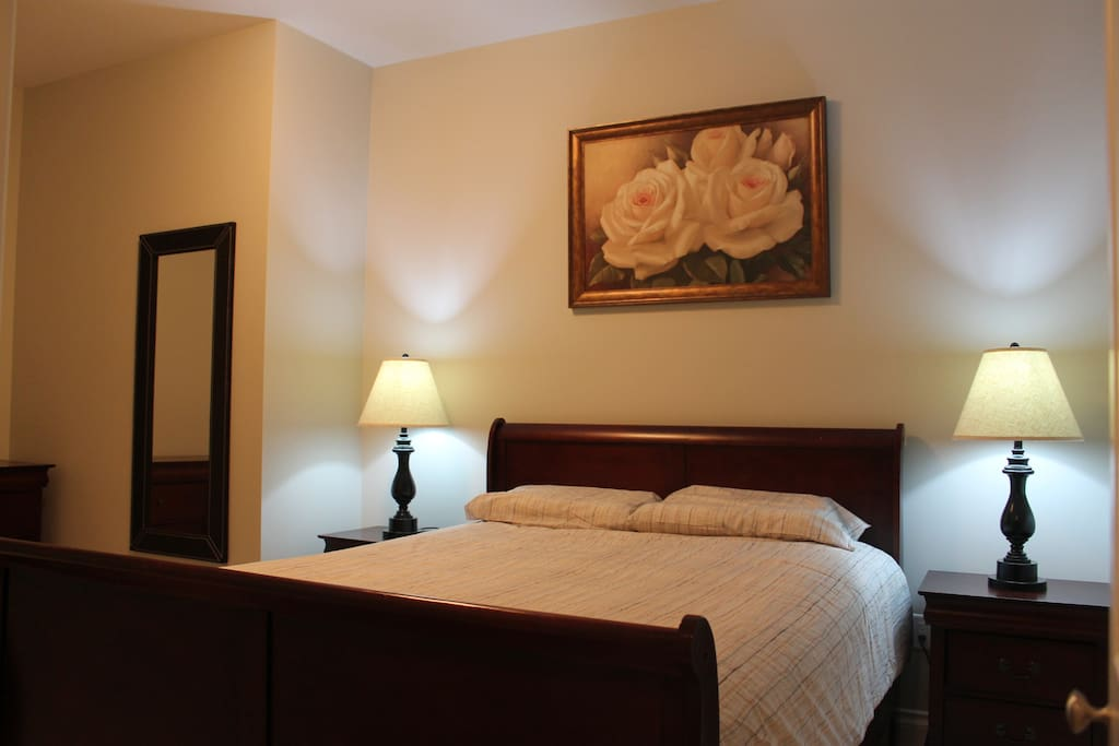 Large 1 bedroom with queen size bed