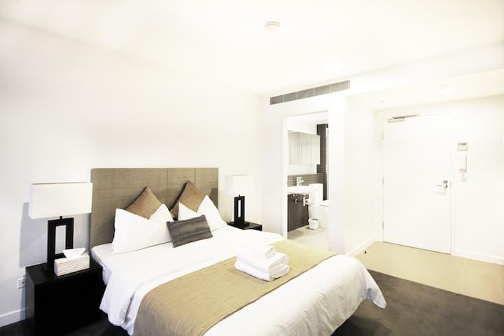 Hearty Studio Apartment, Milton Brisbane CBD