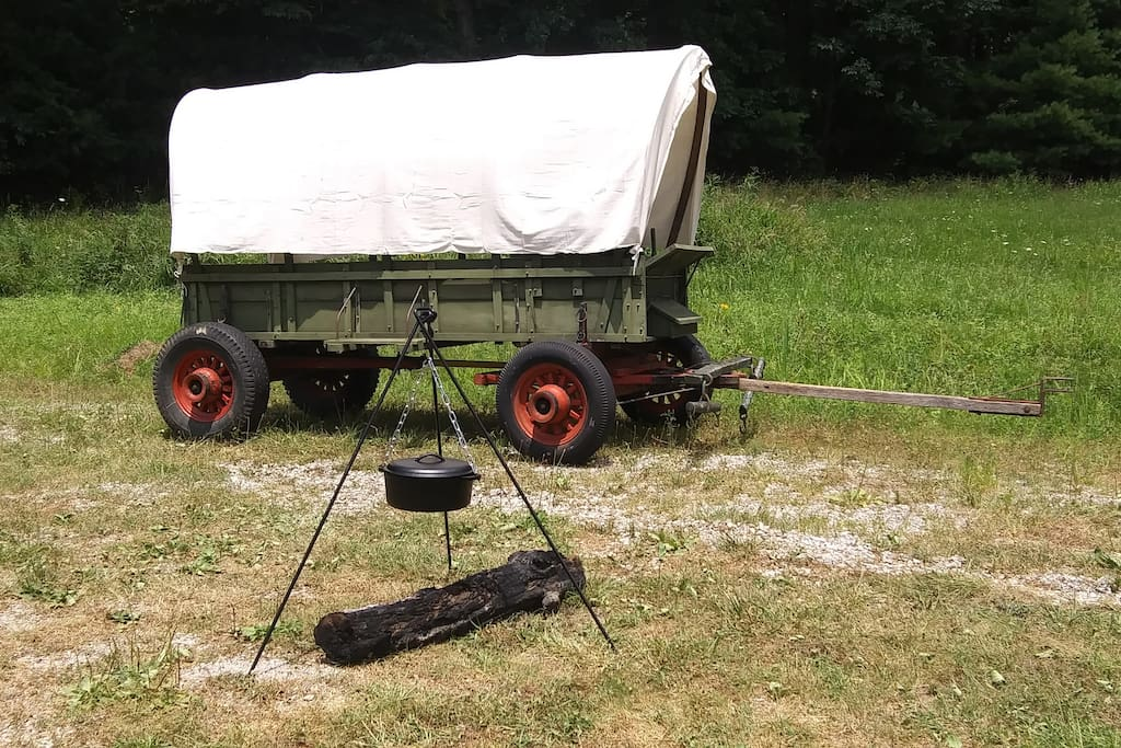 The covered wagon arrived from Ken-tuck-ee for camping and chuckwagon BBQ Experience.