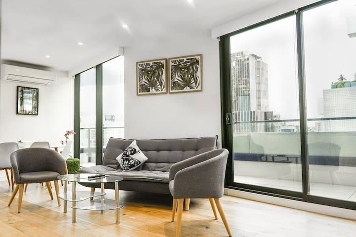 Luxury Modern  Family APT in CBD, Panoramic Views