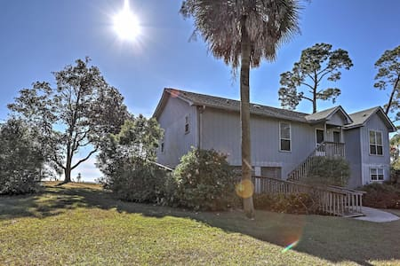 4BR Lillian House on a Bluff w/Stunning Views - Lillian