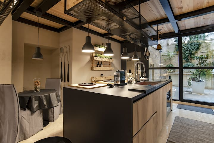 Cairoli Apartment - Your studio in downtown Bari