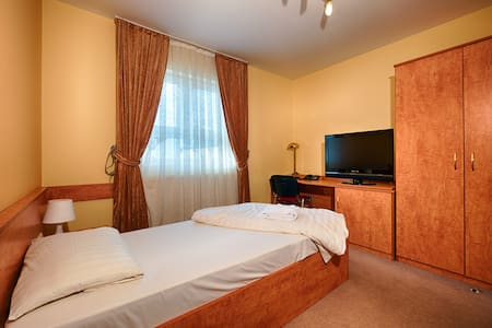 comfortable, 1-bed room, Frankfurt Airport, D5 - Mörfelden-Walldorf - Bed & Breakfast