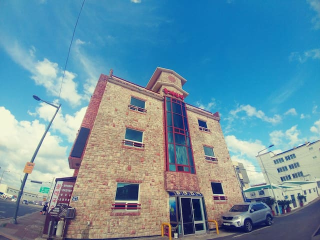 1~4인_우도_성산항입구_일출봉Solre house_Seoungsan harbor_U-do