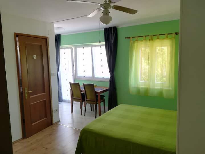 Studio Apartment 2 Olive