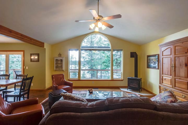 Dog-friendly family getaway with two canoes, a rec room & lake access nearby!