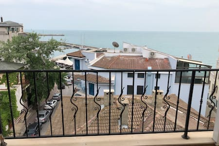Lovely beach apartment with amazing balcony view