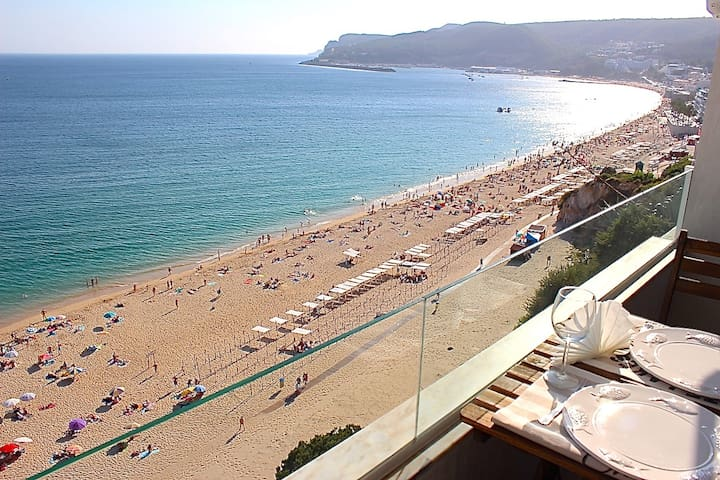 Lingon Gold Apartment, Sesimbra, Portugal
