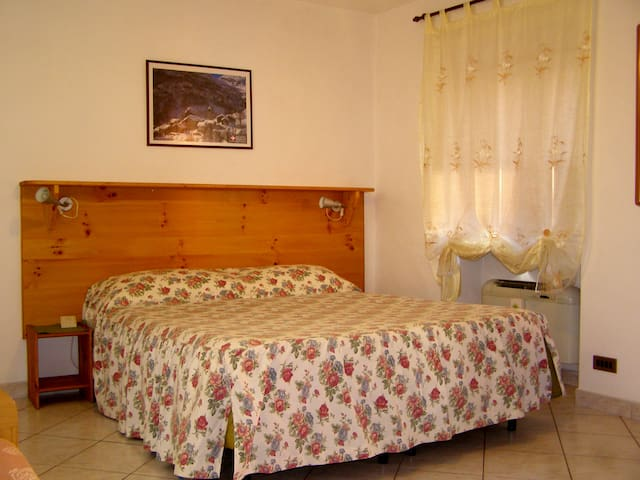 L'Antico Borgo Family room Standard - Caprie - Bed & Breakfast