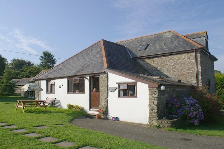 Horseshoe Cottage - Wringworthy Cottages