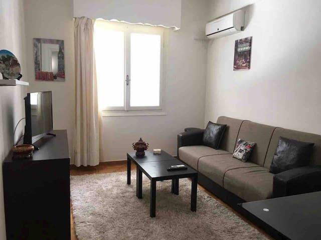 bright suite near Hilton+Syntagma 5'walk metro Sta