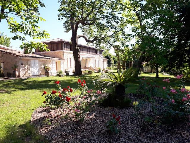 Chambres d'Hôtes de Charme Bordeaux-Floirac