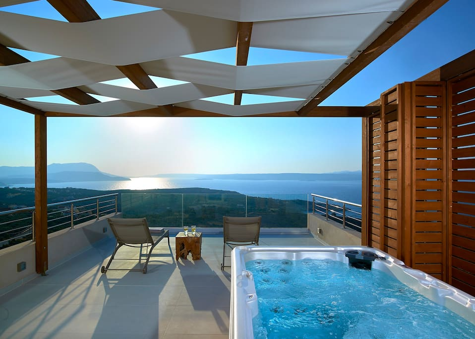 Private Jacuzzi on the top floor