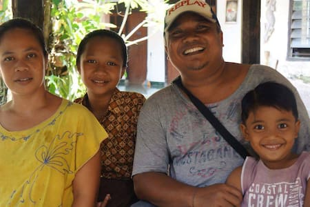 Cosy comfortable stay with lombok family