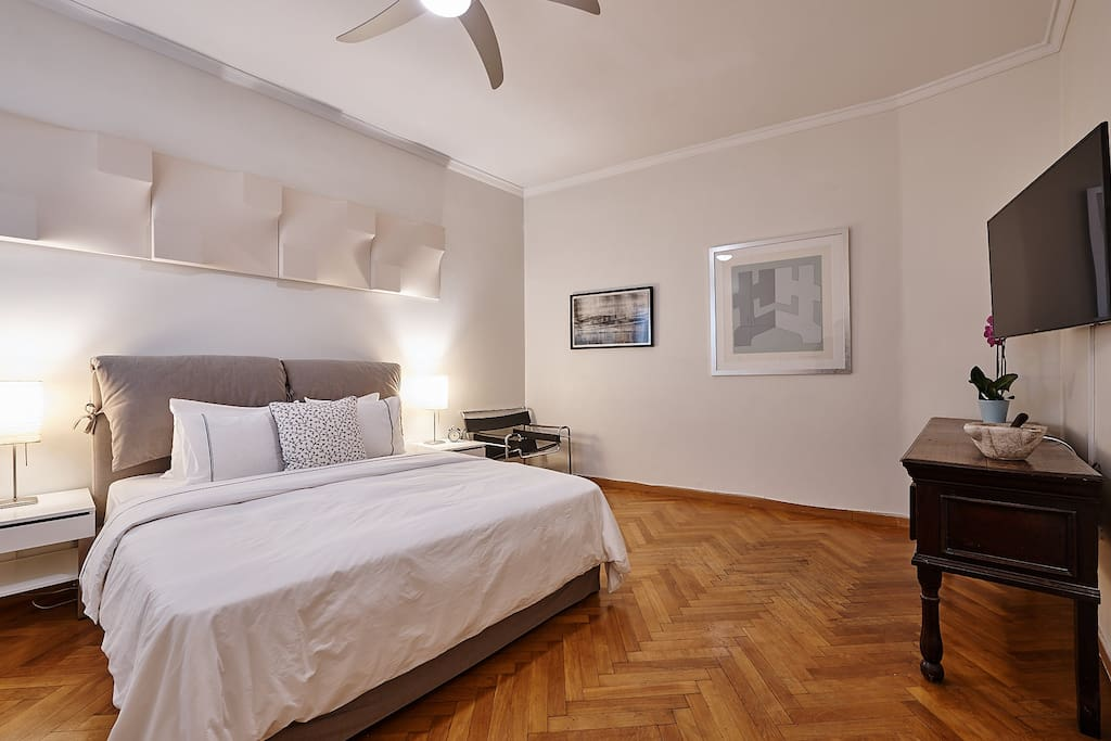 "Master bedroom has a queen size bed and a 51"" 4K Smart HDTV with cable (in English) & Netflix"