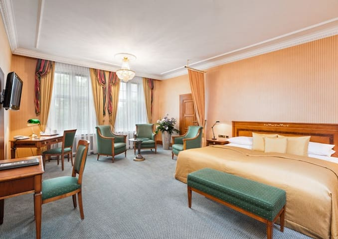 Best Western Premier Grand Hotel Russischer Hof (Weimar) - LOH07322, Junior Suite