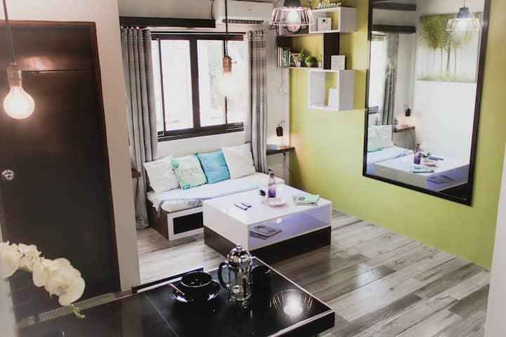 Cozy Industrial Chic Apt,Netflix+Balcony,Antipolo