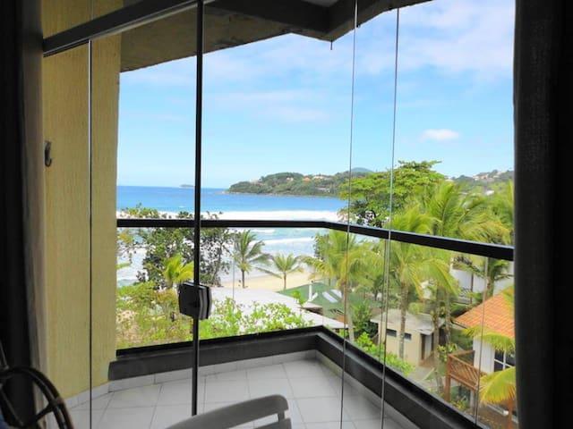 Apartamento  Ubatuba de frente para o mar(304)