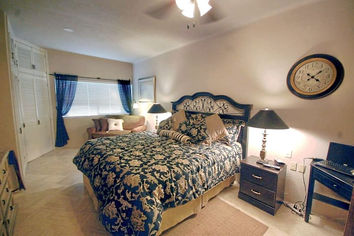 """""""Excellent ground-floor condo with the most comfortable master bed!""""  ~Janell, December 2017"""