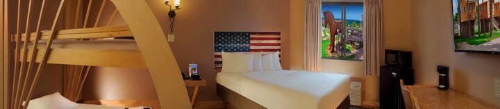 Natura Apt- 3 Bedrooms, 4 Queens & Full Kitchen