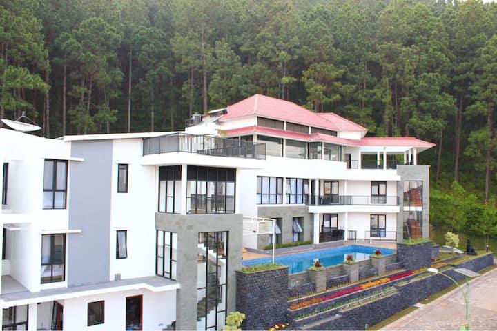 The Peak Villa Batu unit A2 (4 bedroom villa)
