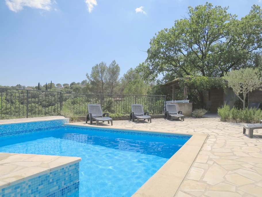 Hill top villa for 6 with pool and garden in town villas for Garden town pool