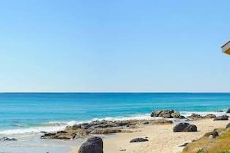 Retro Kirra beach house - Coolangatta - Casa