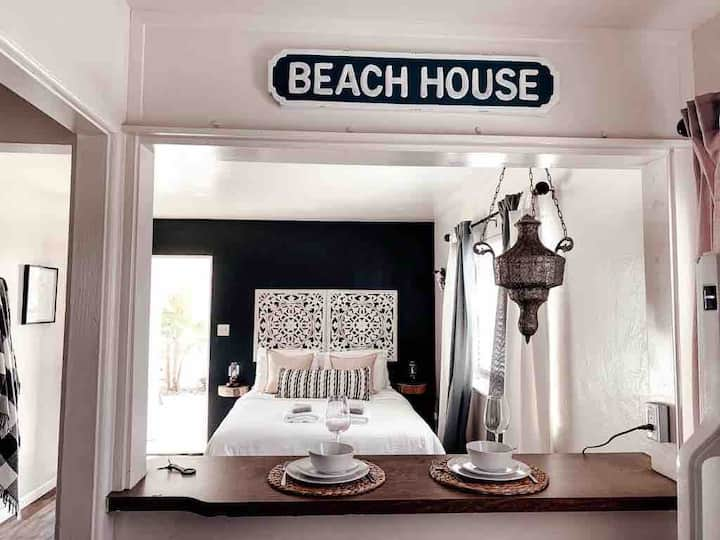Steps away from the beach!!! Amazing location!!!