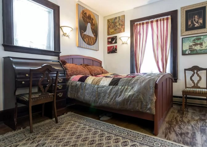 Cozy and sexy - up to 2 pp, breakfast and parking - Detroit - Casa