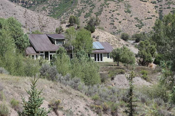Shore House  sun-filled inspiring mountain home