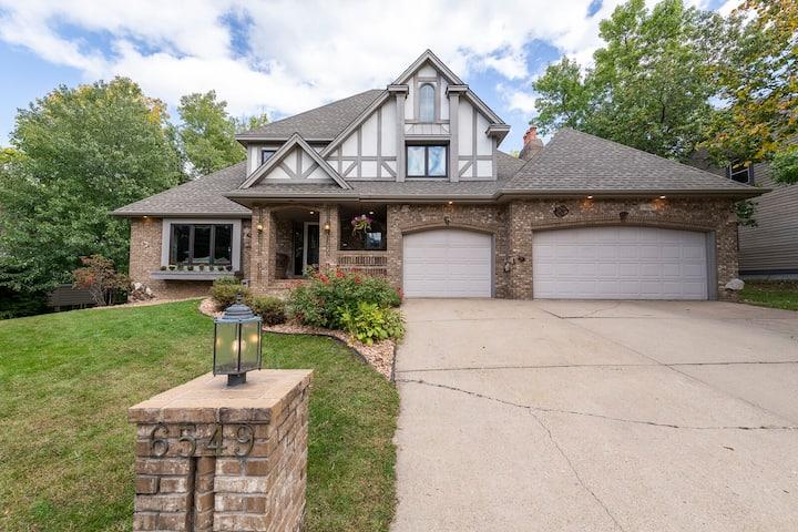 Lux Estate in Eden Prairie Walk2  Bryant Lake/Park