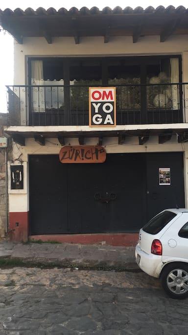 Casa Om Yoga... Fachada exterior