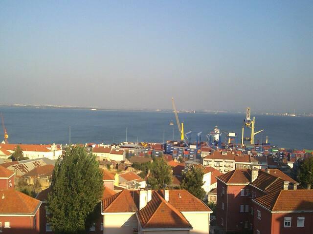 Panoramic river view, free parking