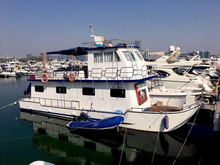 Feel-good family houseboat in Abu Dhabi - 3 Beds