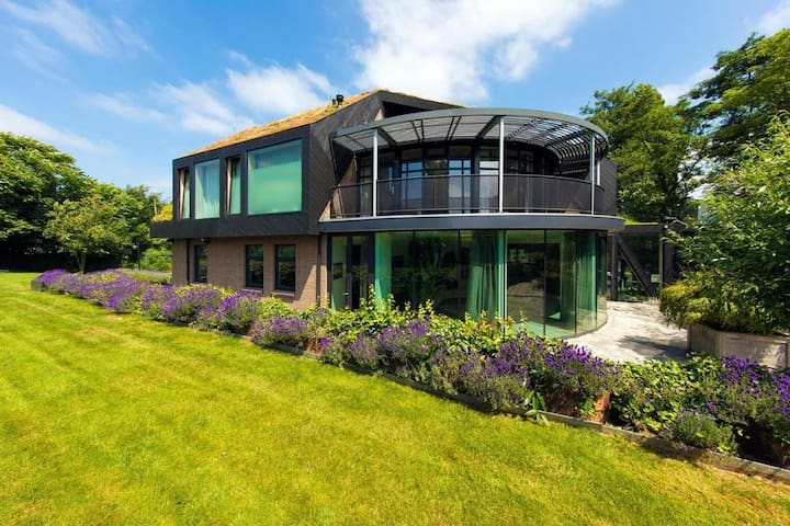 Great Villa in Rotterdam