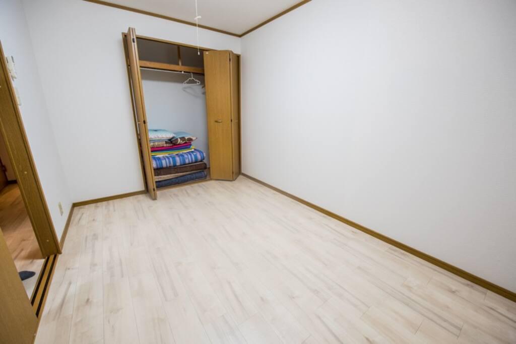 작은방.전기카펫트