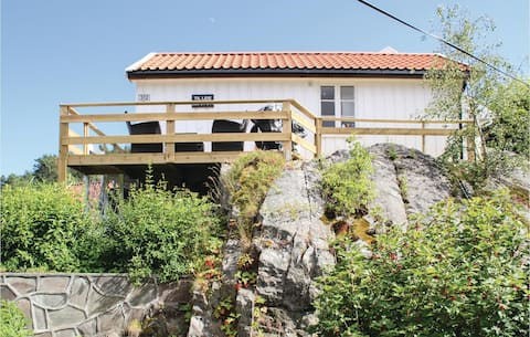 Beautiful home in Staubø with 1 Bedrooms