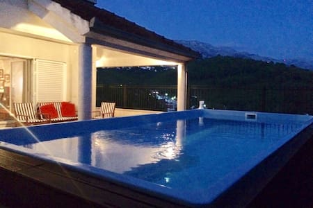 NEW! Villa Harmony with swimming pool - Žrnovnica